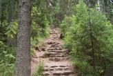 От Казанского скита тропа по склону горы ведёт к Конь-камню. Когда-то к подножию горы вела лестница, от которой остались сейчас лишь редкие каменные ступени.