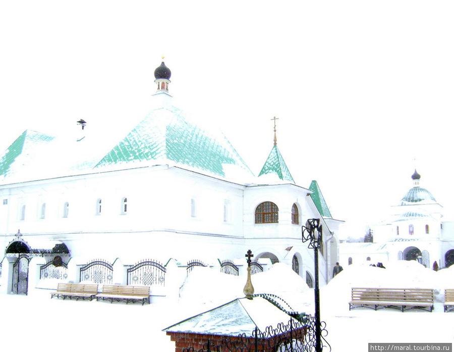 Настоятельские палаты с домовой церковью во имя святителя епископа Рязанского и Муромского Василия (конец XVII века)