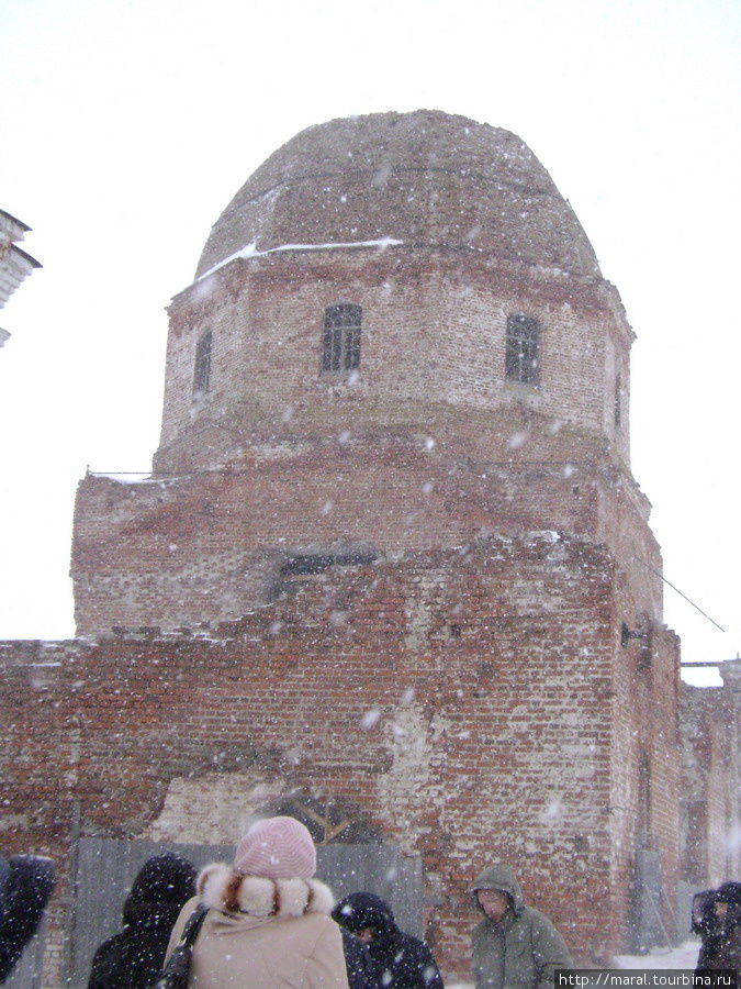 Свято-Троицкий храм в селе Карачарове, воссозданный в камне в 1828 году на месте деревянной церкви, был разрушен богоборцами в советскую пору