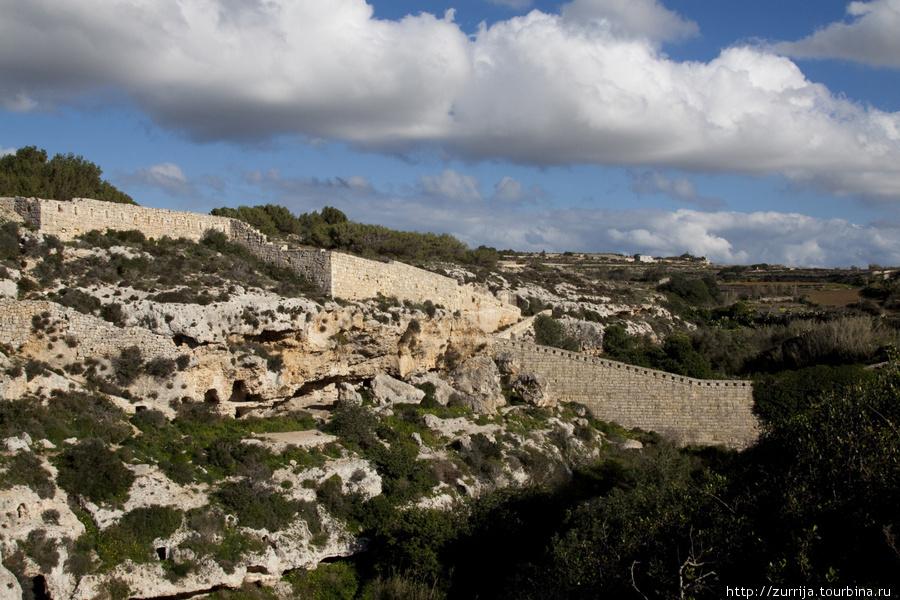 Ущелье Бинджемма (Мджарр, Мальта)