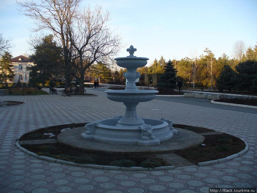фонтан, который уже открыли после зимы