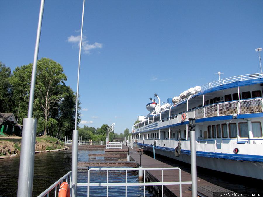 Новый причал построенный Весьегонским Винзаводом для приёма туристических судов и яхт.
