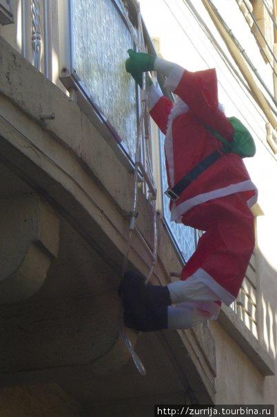Дед Мороз — йог (Заббар, Мальта)