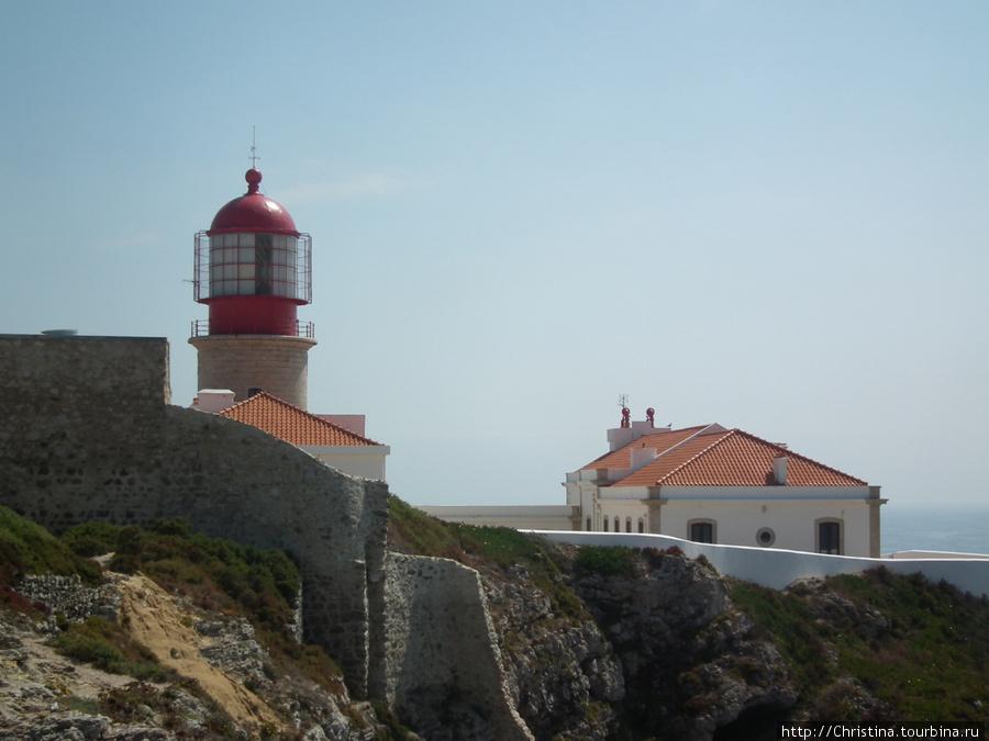 Сильнейший маяк в Европе.