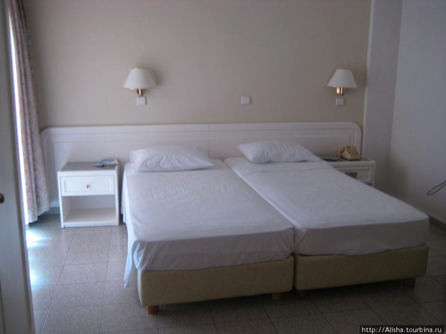 Отель Blue Star*** —   так выглядел наш номер на втором этаже с видом на бассейн.