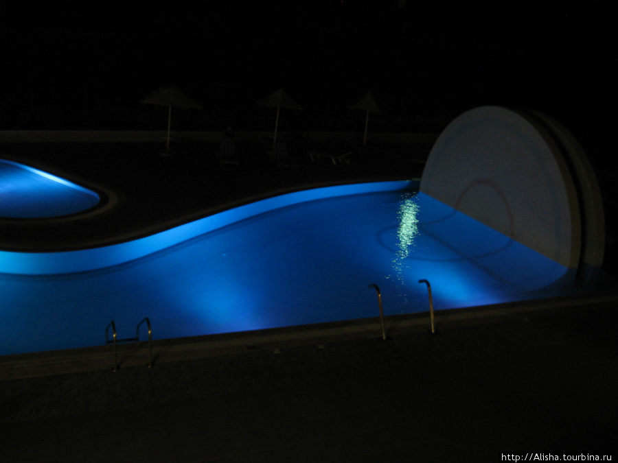Отель Blue Star*** —   ночная подсветка бассейна