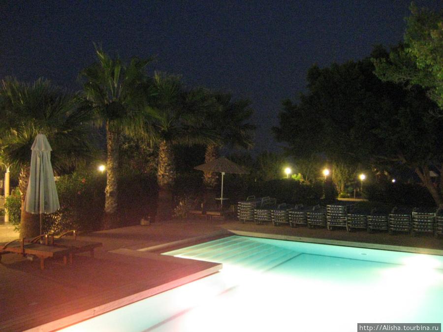 Отель Blue Sea Beach Resort**** —  вид с площадки в центре