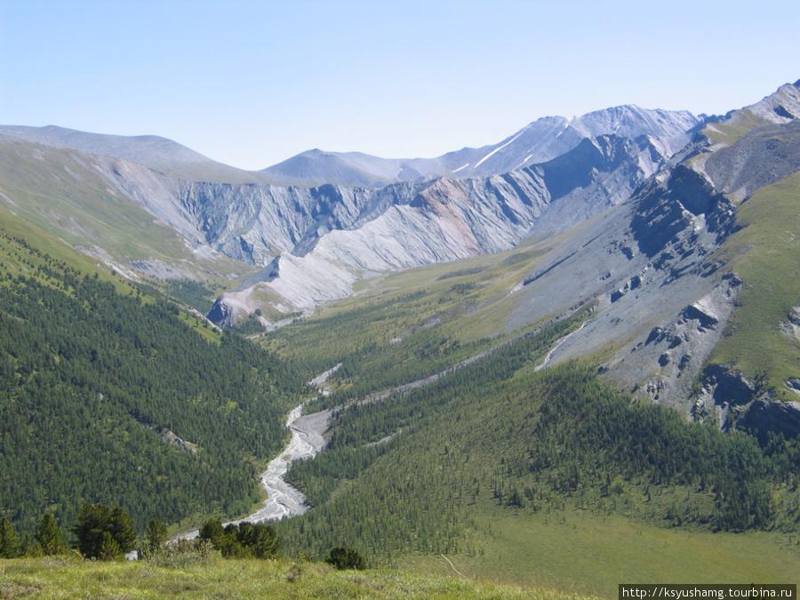 Вид на долину Ярлу