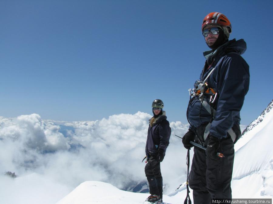 На вершине пика Берельского, 2009 год