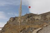 Карсская крепость. Была закрыта с утра, открывалась в 10:30; это нас не устраивало и мы ждать открытия не стали