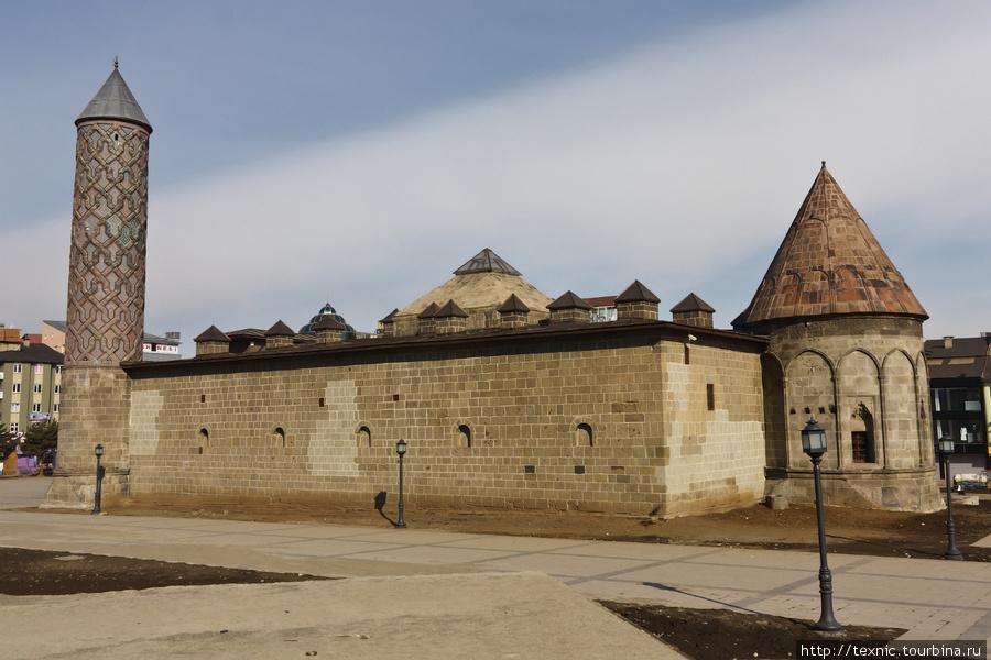 Построенная монголами меч