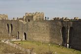 Крепостные стены. Тоже с сердечками