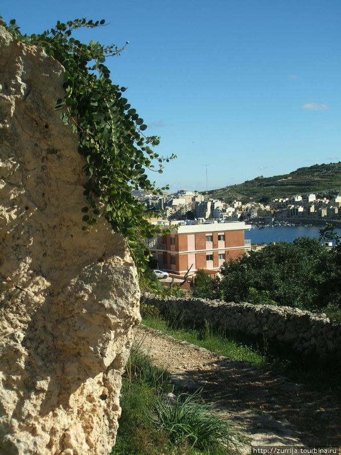 Менгир (Шемшия, Сент-Полс-Бэй, Мальта)