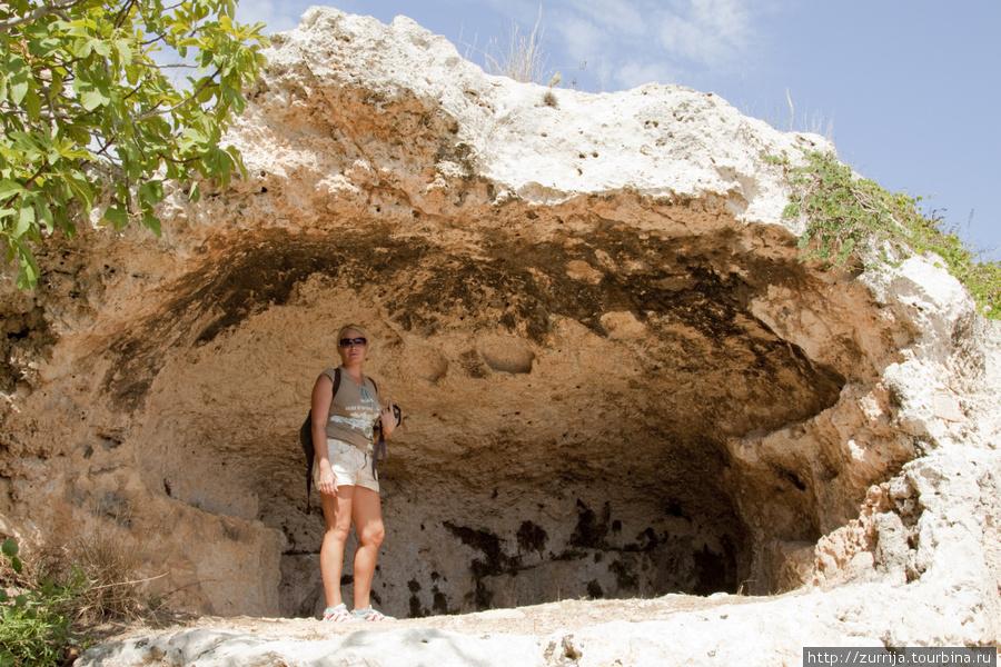 Бывшая жилая пещера (Шемшия, Сент-Полс-Бэй, Мальта)