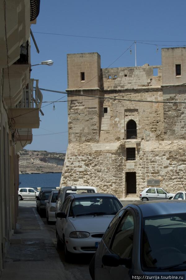 Башня Виньякура (Сент-Полс-Бэй, Мальта)