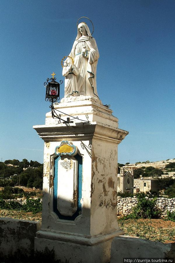 Св. Анна (статуя) (Ренди, Мальта)