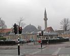 К удивлению обнаружили небольшую новую мечеть...