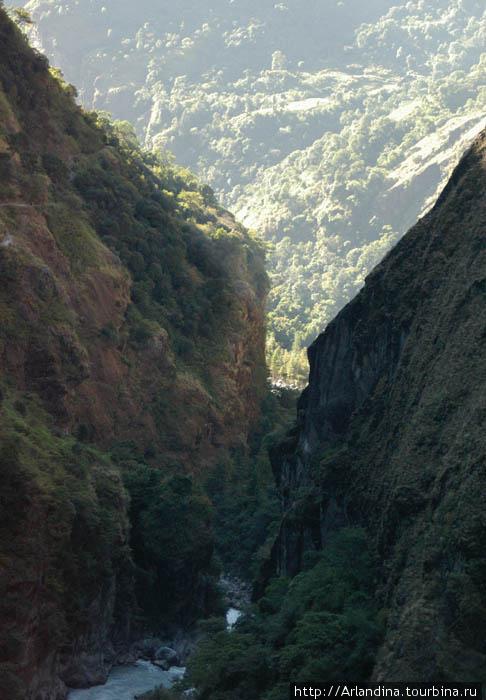 Внизу река Маршанди