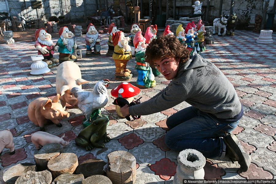 В Симферополе к поездке присоединился Леня mmet, который в Крыму уже пять дней, но фотографировать начал только сегодня.