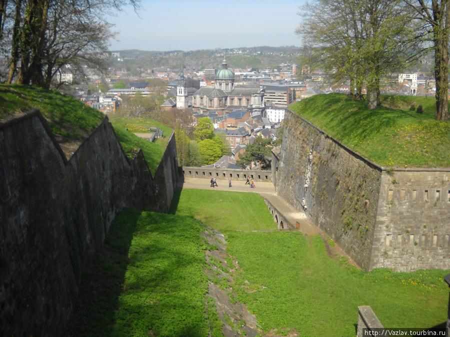 Бастионы и вид на город