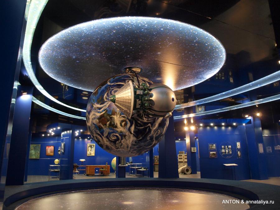 Музей Первого полета. Уменьшенная в несколько раз копия космического корабля