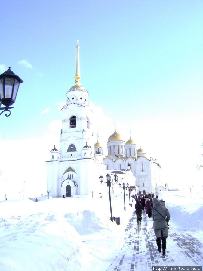 Успенский собор, как и Золотые ворота, – это и есть наследие Андрея Боголюбского.