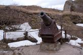 Из всего вооружения осталась одна пушка. Отлита на Пермском заводе в 1893 году
