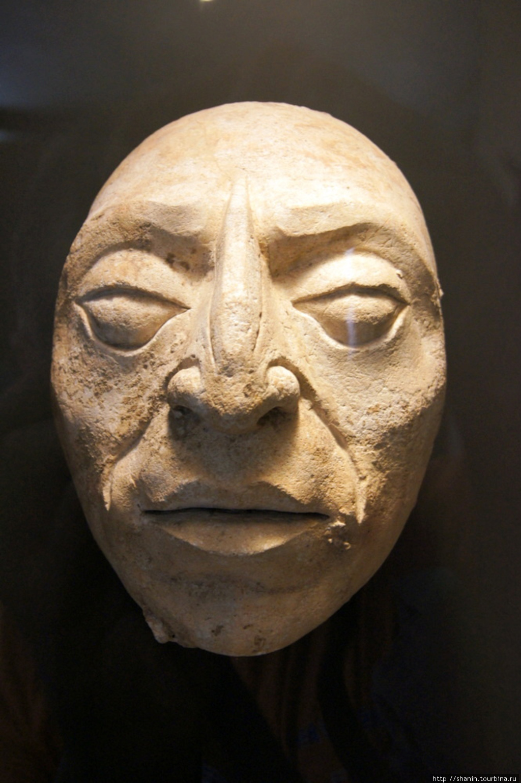 каменное лицо фото