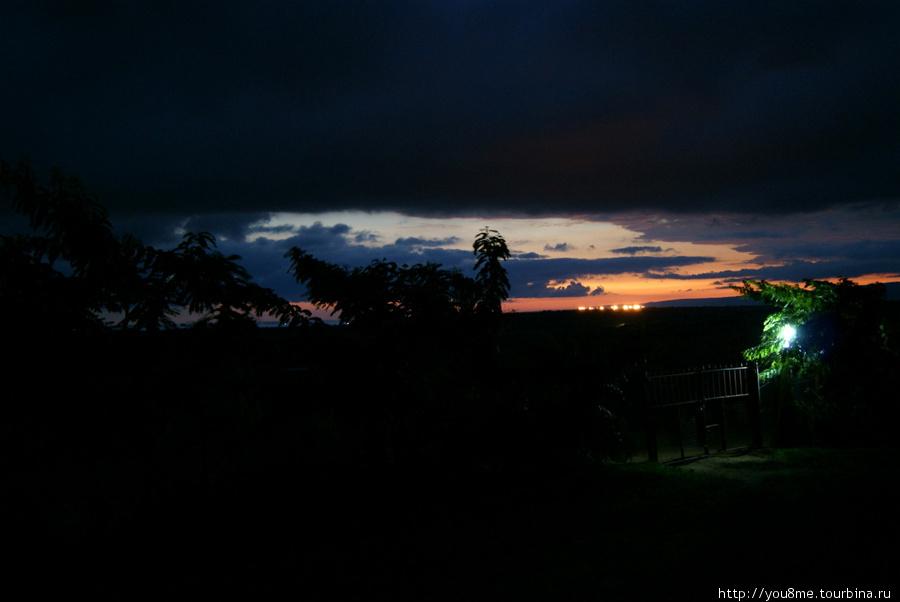 ночь на озере Альберт