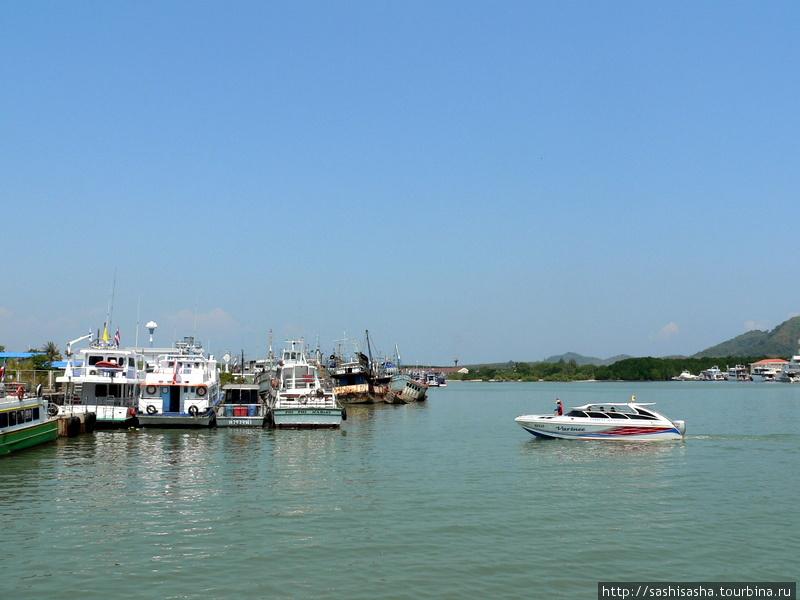 Порт на Пхукете.