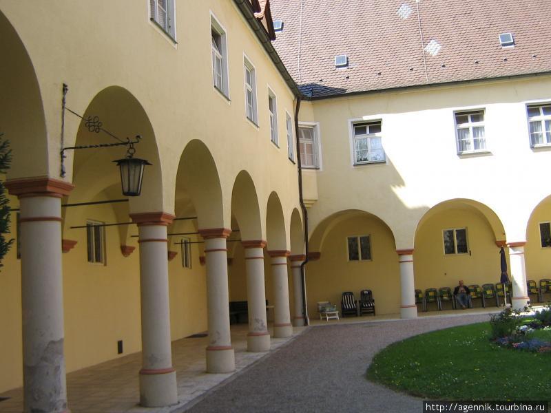Госпиталь или богадельня в стиле Ренесанс