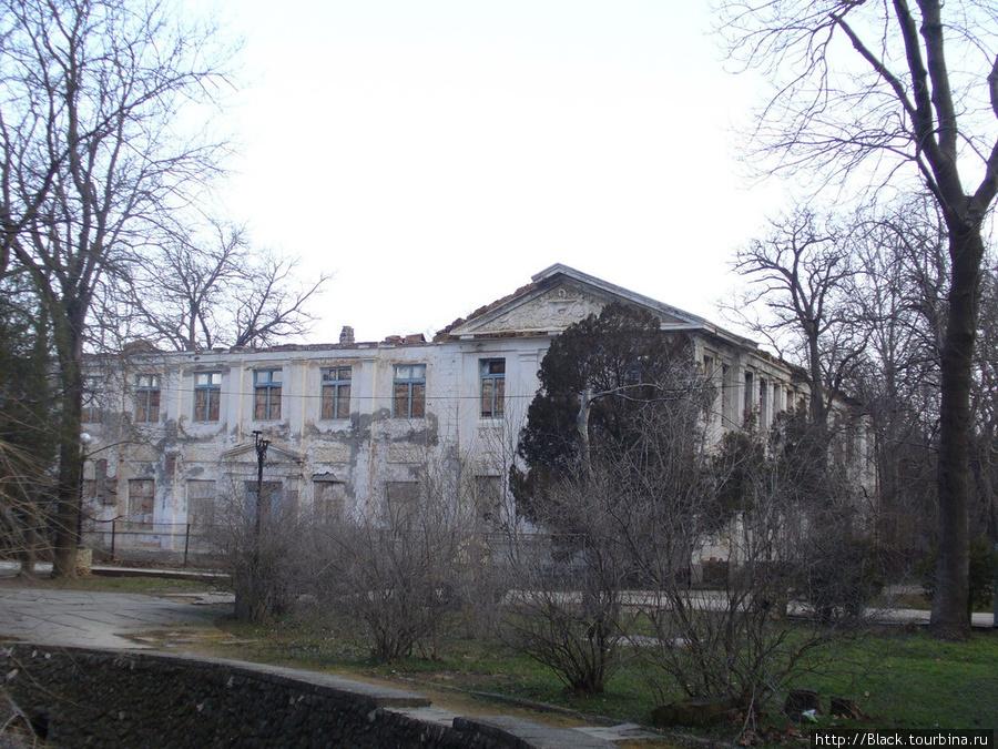 Здание института диагностики и физических методов лечения
