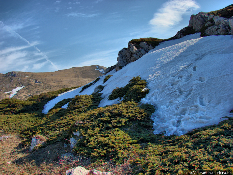 Снег на горе Эклизи-Бурун в конце апреля
