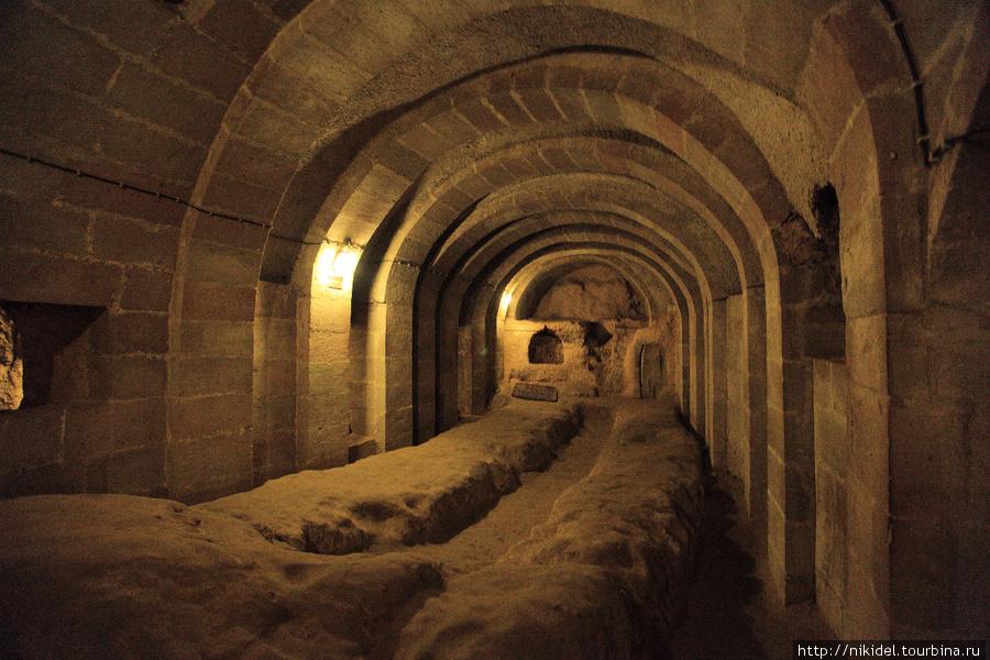 подземный город Деринкую — помещение подземной академии