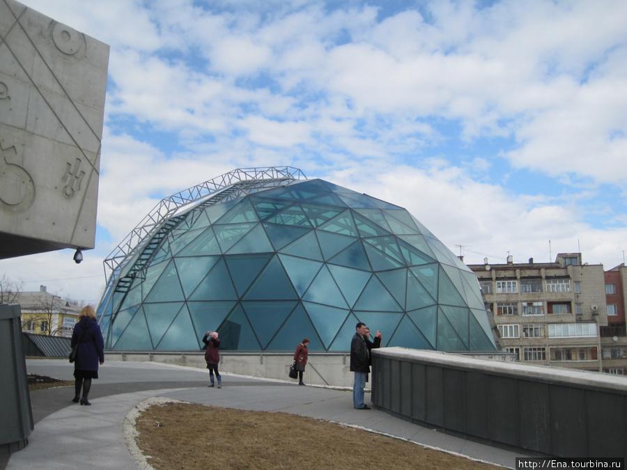 Культурно-просветительский центр им. В.В. Терешковой. Купол звездного неба