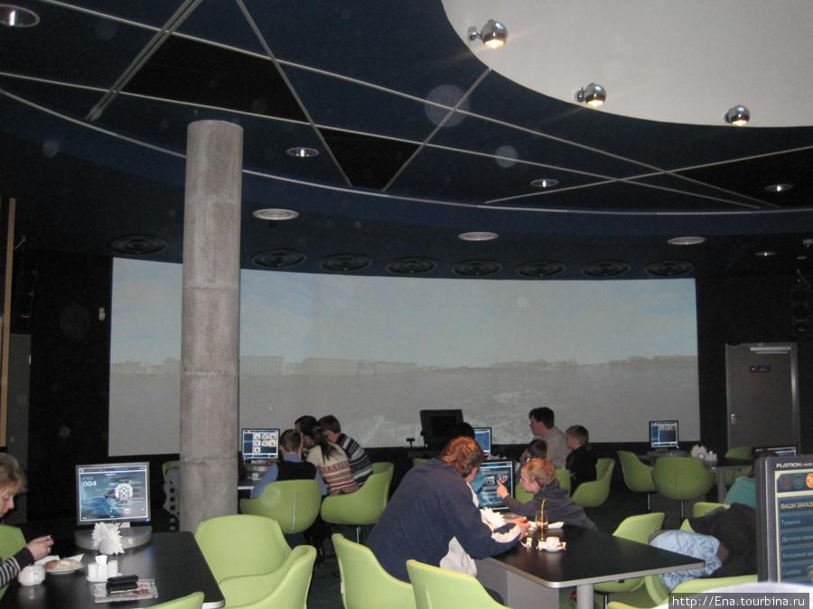 В медиа-кафе можно совершить виртуальную прогулку по странам мира