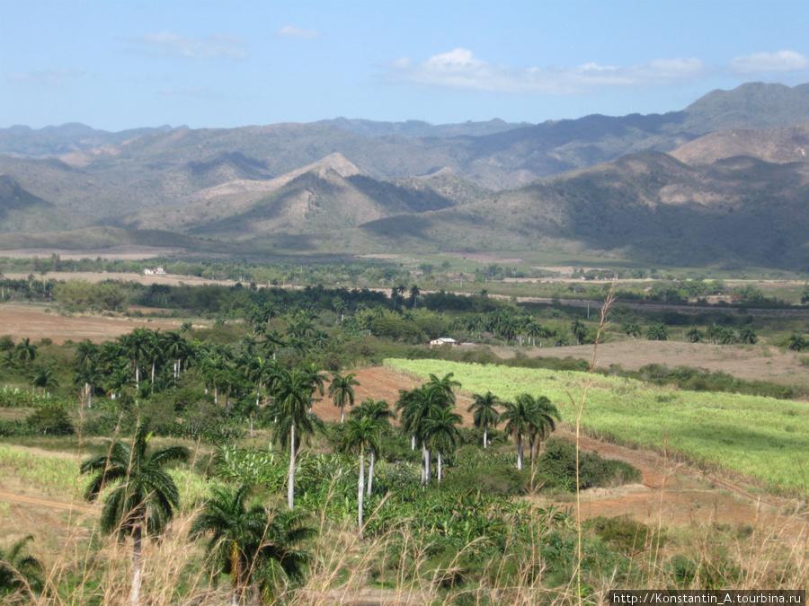 долина по дороге от Тринидад до Санта Спиритус