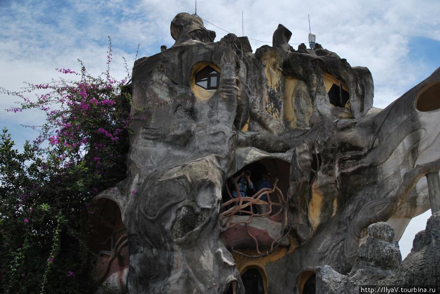 Сумасшедший дом или гостиница Ханг Нга Далат, Вьетнам