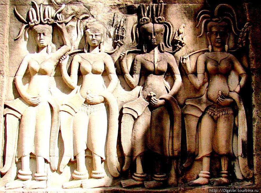 Храмовые танцовщицы в отл
