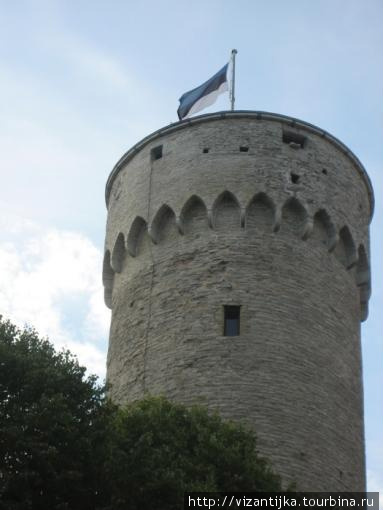 Таллинн. Тоомпеа. Флаг Эс