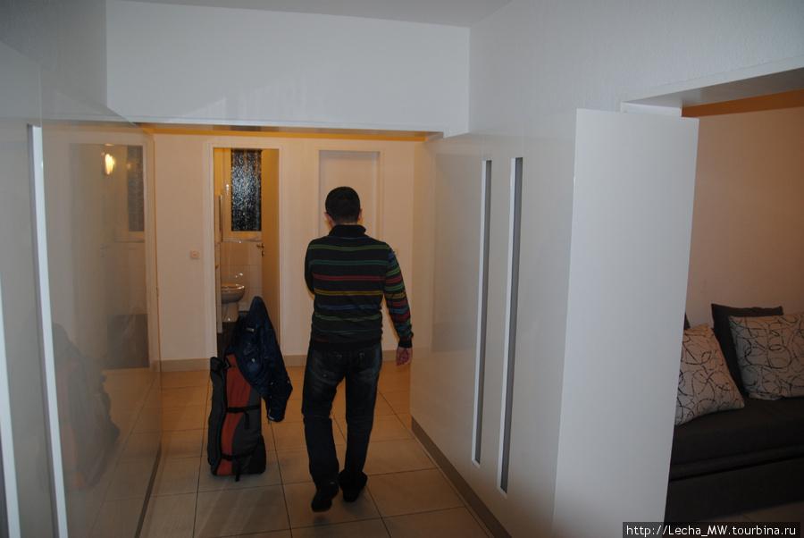 Внутри апартаментов