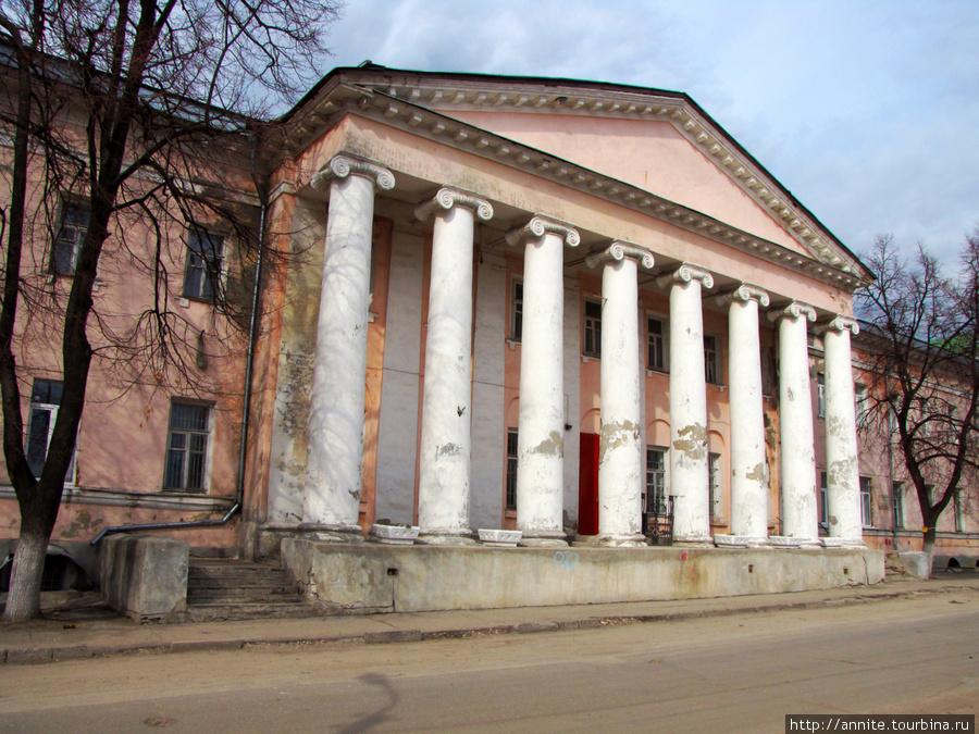 Здание губернской больниц