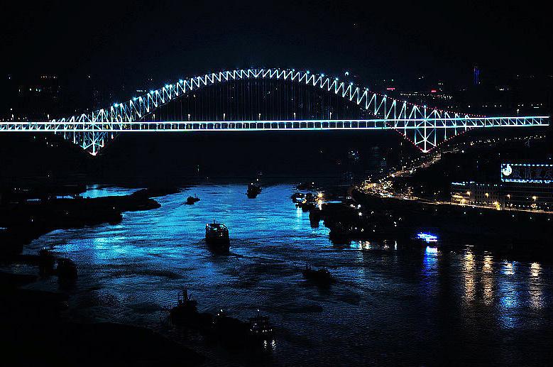 Мост через Янцзы у порта Чаотяньмэнь