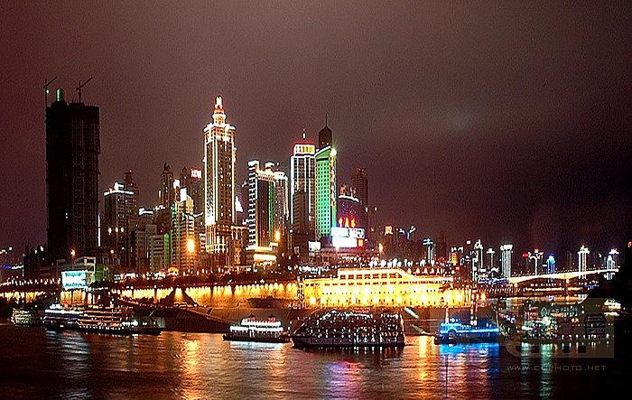 Ночной вид порта Чаотяньмэнь