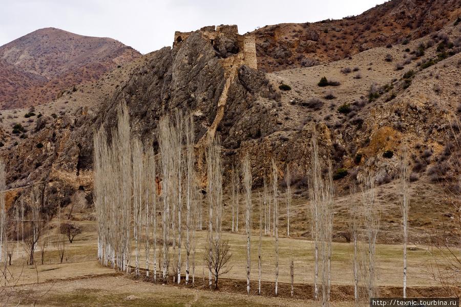 Ещё руины какого-то замка