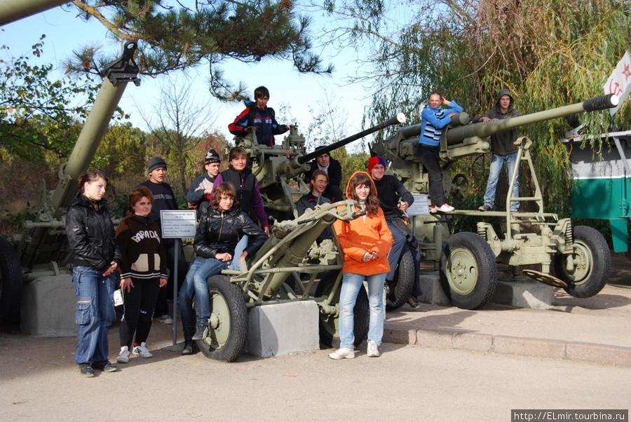 это мы возле Севастопольской оборонной линии