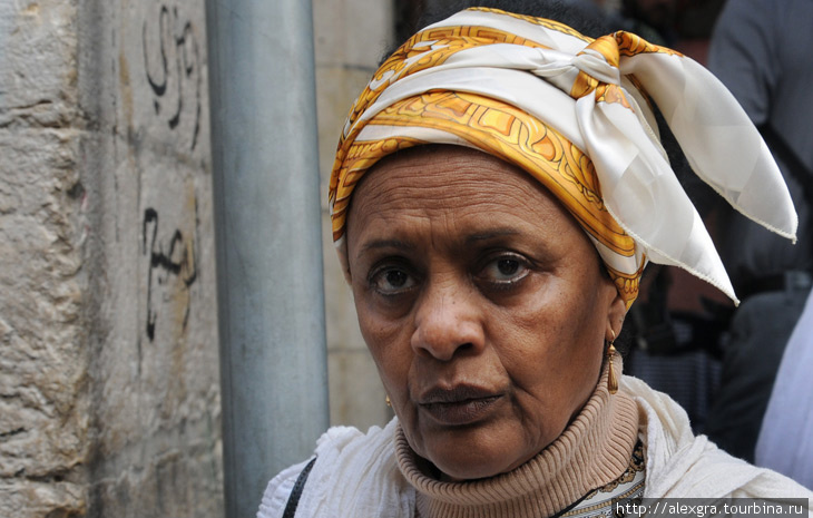 Иерусалим, паломница из Эфиопии на Виа Долороза, 22.04.2011