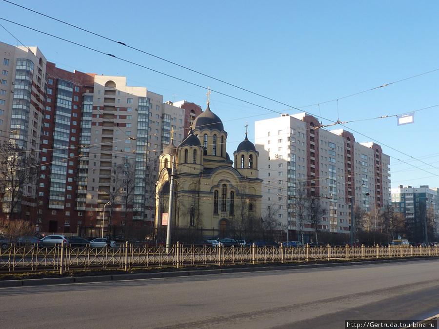 Храм Рождества Христова на ул. Коллонтай.
