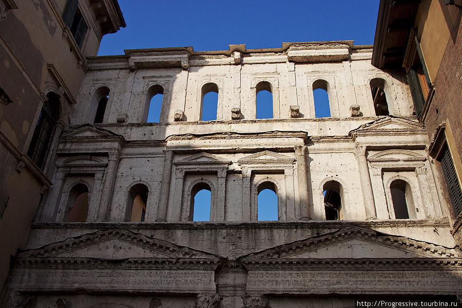Античные ворота Борсари