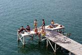 Платформа для купания на озере